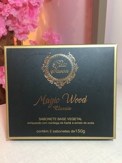 Caixa com 2 sabonetes Petit Savon Magic Wood 150g - comprar online