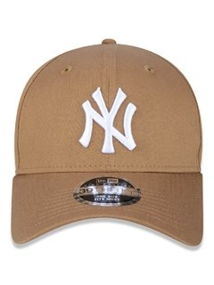 Boné New Era 39Thirty MLB New York Yankees Kaki MBV17BON206 - comprar online