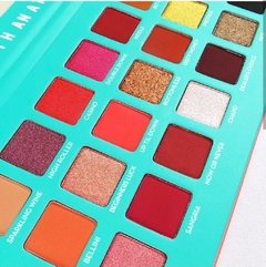 Paleta De 21 Sombras Blackjack Tough Girl Rude Cosmetics - comprar online