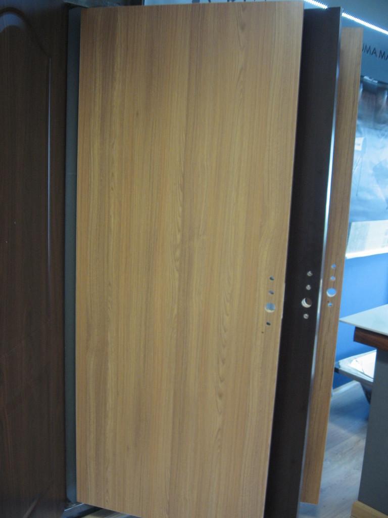 Puerta de melamina de 0 80x2 00 con moldura marco de for Marco puerta madera