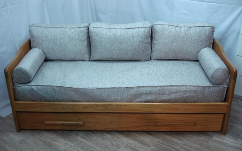 Div n cama con respaldo comprar en viviendo a gusto for Modelos de divanes