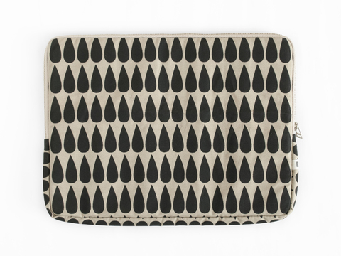 notebook sleeve - black drops