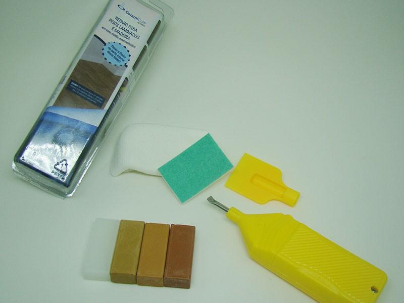 Repair kit for laminate floor reddish tones unit for Kit reparation parquet
