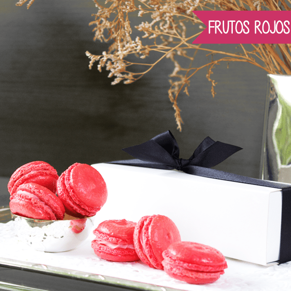 Macarons de Frutos Rojos y Chocolate Blanco