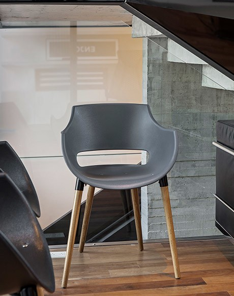 Juego de comedor camelia wood rectangular con seis sillas for Sillas plasticas comedor