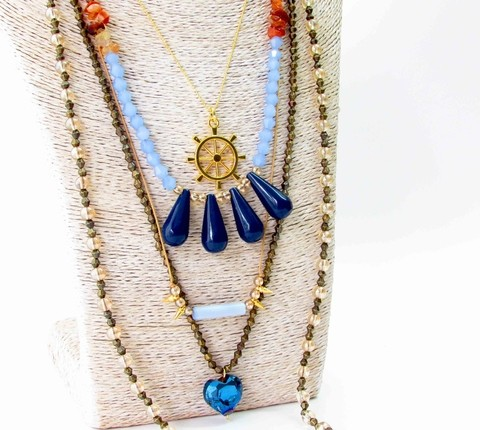 Collar azul timon