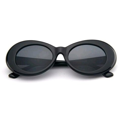 OCULOS DE SOL OVAL PRETO RETRO SUPER WONDER