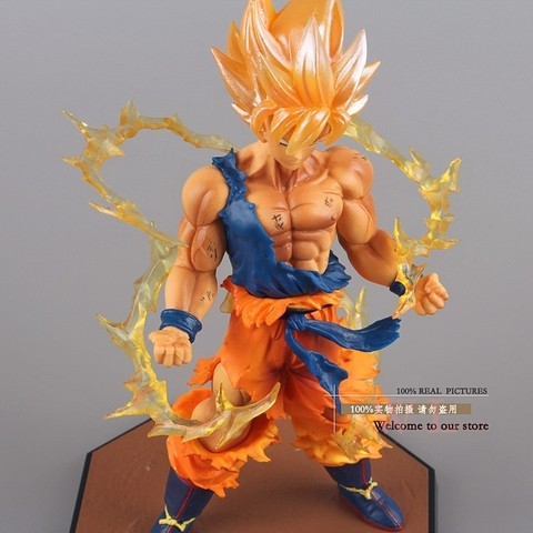 Boneco Dragon Ball Z Super Saiyan Goku 17 cm Altura - MD01