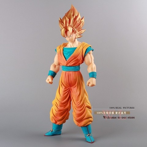 Boneco Dragon Ball Z Super Saiyan Goku 36 cm Altura - MD01