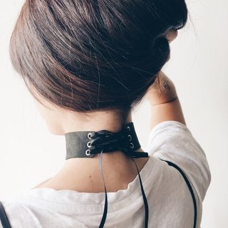 LEATHER CHOKER - comprar online