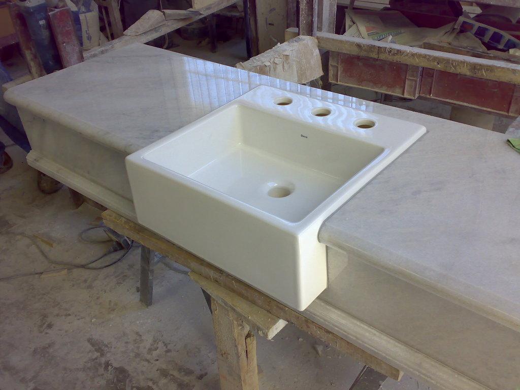 M rmol blanco turco marmoler a ravalli mu iz for Bano marmol blanco