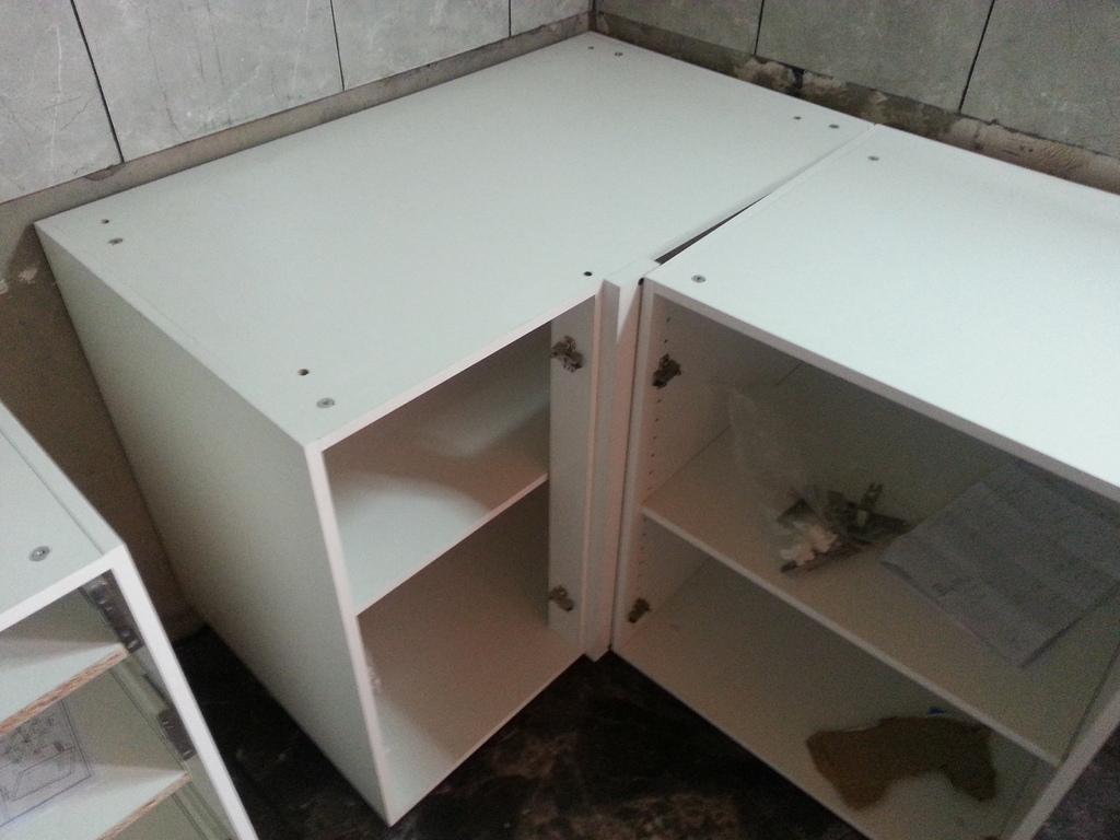 Bajomesada esquinero 100 cm con puerta incluida for Muebles de cocina 45 cm