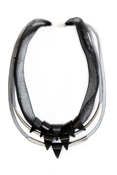 Collar Black Snow