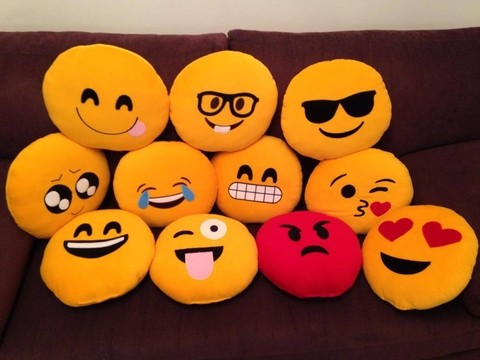 Almohadones smile emoticones