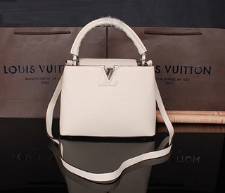 Bolsa Capucines BB, MM e GM Louis Vuitton