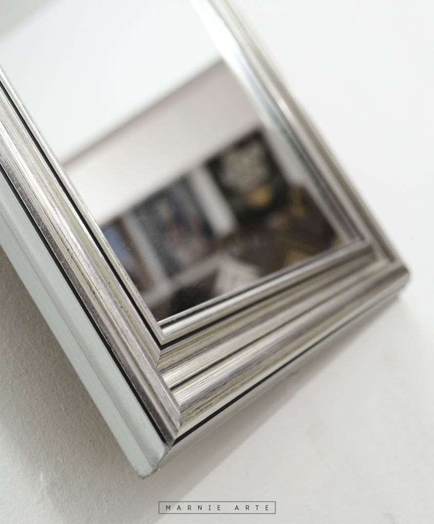 Espejo con marco plateado for Espejos con marco plateado