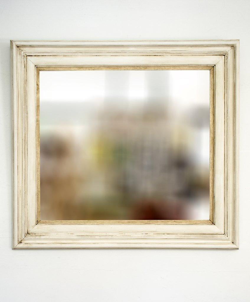 Espejo con marco blanco antiguo for Espejo con marco de espejo