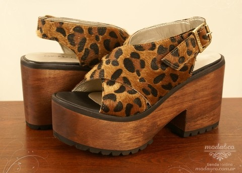 AN509 - Sandalia Anca & Co. Animal Print