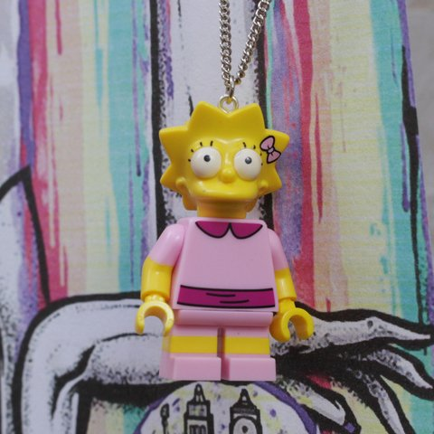 Colar - Lisa / Simpsons Lego