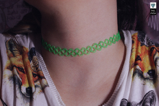 Tattoo Choker Alien + Pulseira na internet