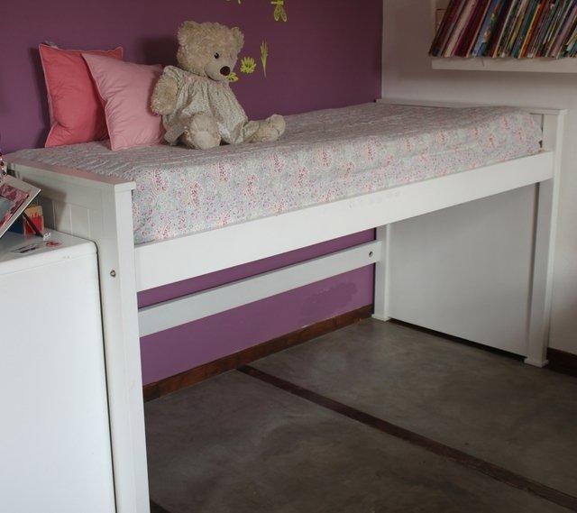 Escalera para cama nido trendy cool los detalle de esta - Escaleras para camas nido ...