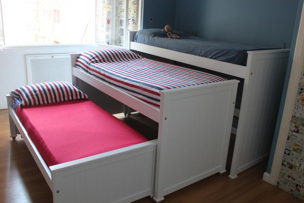 Cama nido triple naranja lima muebles para chicos for Cama nido de tres camas