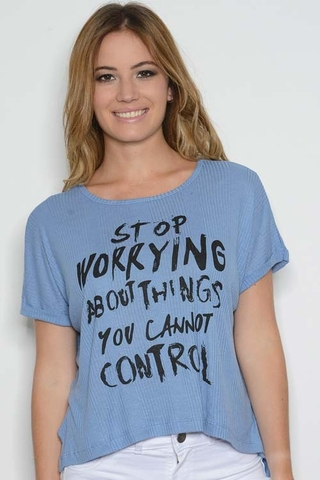 Remera Morley Stop Worrying Celeste