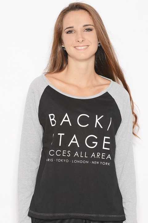 Remera Manga Larga Aspen Combinada con Estampa Back Stage Negro