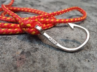 Pulseira Masculina Hope Fire Paracord na internet
