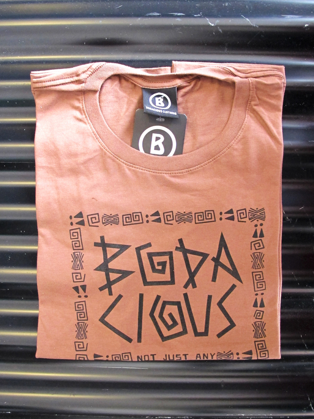 REMERA TRIBAL - Bodacious Clothing