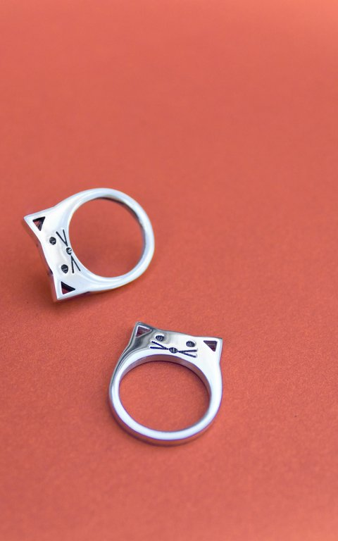 Peeking cat Ring