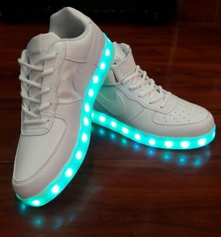 Nike air force cano baixo LED