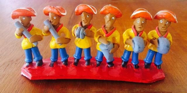 Aparador Tv Vintage ~ Escultura Banda de Pífano Nordestina de Barro artesanato do nordeste
