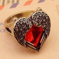 Anel coração vermelho