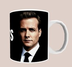 Caneca Suits na internet