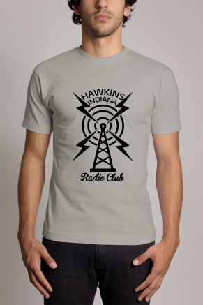 Camiseta Cinza - Strangers Things: Rádio Club