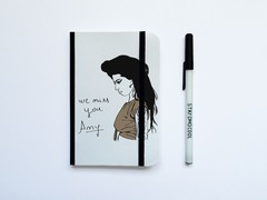 Cuaderno con Elástico We Miss You Amy - comprar online