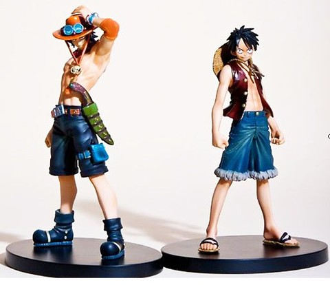 Action Figure Luffy + Ace