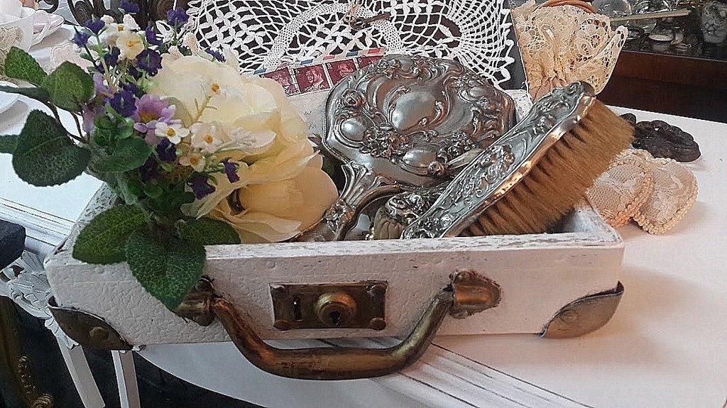 Ajuar de novia juego de toilette antiguo cepillos espejo for Espejo y cepillo antiguo