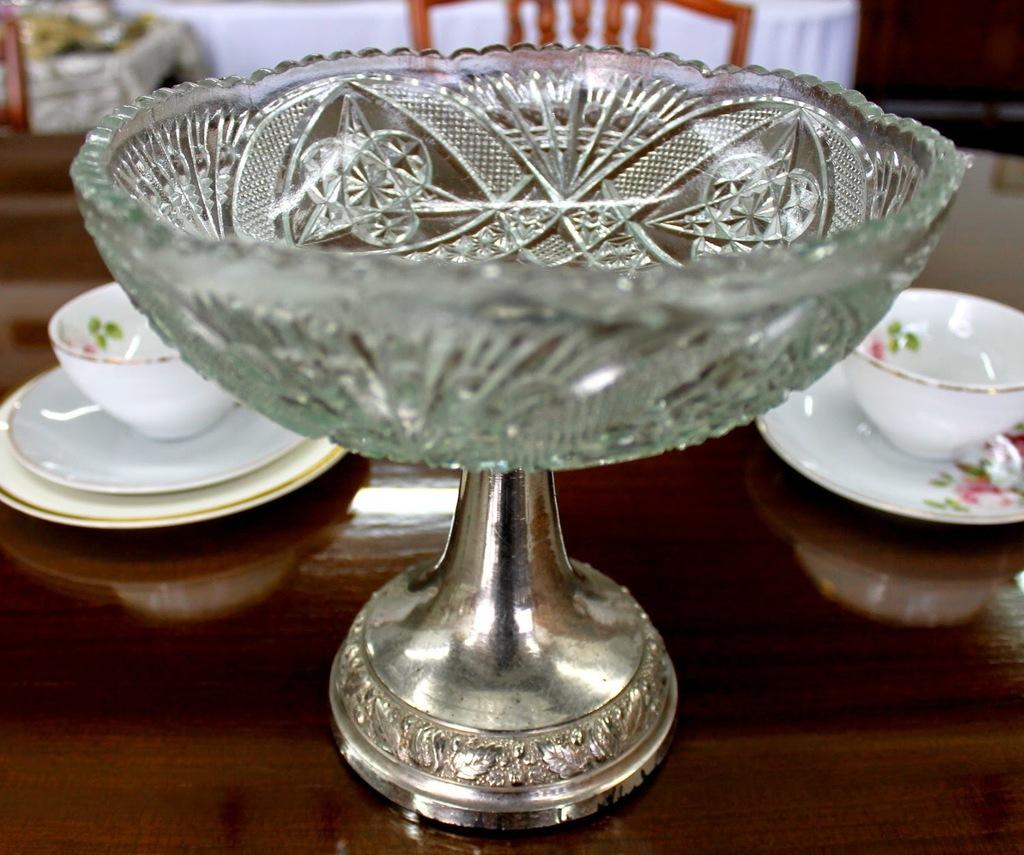 Alquiler de floreros jarrones centros de mesa de cristal - Jarrones de cristal ...