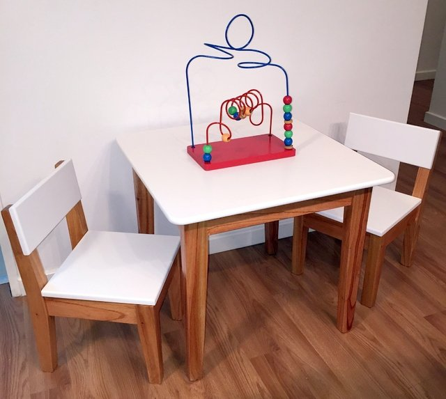 Juego de sillas y mesa infantil para so laqueado poliuret nico for Cazafantasmas juego de mesa