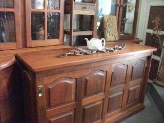 Bahiut de algarrobo for Fabrica de muebles de algarrobo