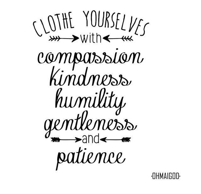 CLOTHE YOURSELVES - comprar online