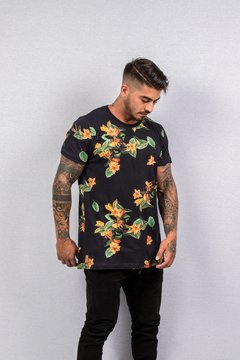 T SHIRT FLORAL BLACK (ESTAMPA DIGITAL)