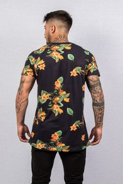 T SHIRT FLORAL BLACK (ESTAMPA DIGITAL) na internet