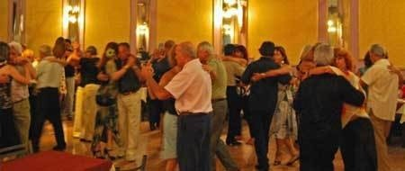 Clausuran una popular Milonga Porteña