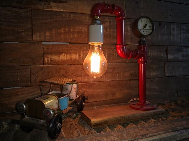 Lampara de escritorio de mesa madera hierro vieja eddie for Escritorio industrial vintage