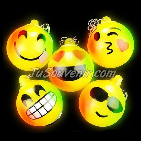 Llavero Luminoso Emoticon - comprar online