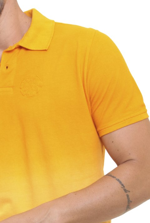 Polo Stone Wash Degradê Amarelo na internet
