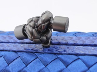 Bolsa Bottega Veneta Clutch Royal Blue - comprar online